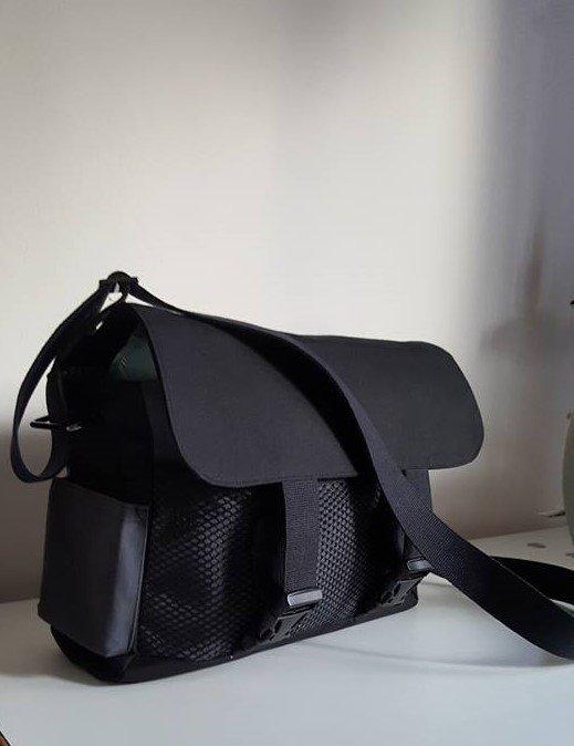 06-messenger-bag-1-finished-view-1